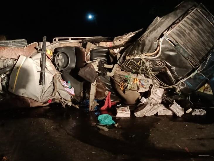 छपवा-मोतिहरी मेन रोड पर भीषण सड़क हादसा, अखबार लदी जीप में वाहन ने मारी टक्कर, जीप के उड़े परखच्चे, 3 ने मौके पर ही तोड़ा दम|बिहार,Bihar - Dainik Bhaskar