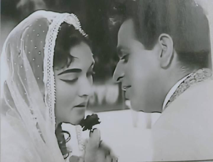 फिल्म लीडर की शूटिंग के दौरान खींची तस्वीरें वैजयंती माला और दिलीप कुमार।