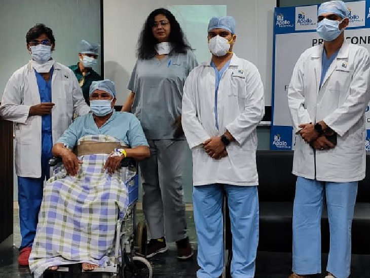 अपोलो अस्पताल में हार्ट के मरीज को बायोरसोर्बेबल वैस्क्यूलर स्केफोल्ड्स लगाकर एन्जियोप्लास्टी की गई। - Dainik Bhaskar