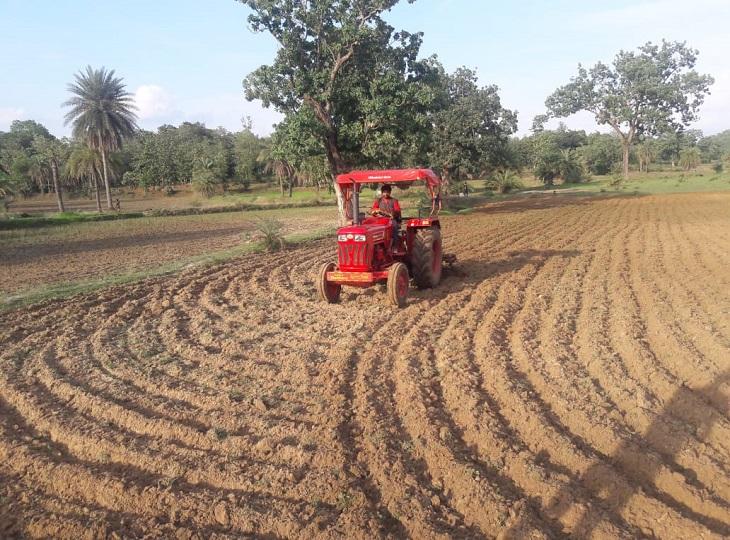 बस्तर संभाग के किसानों को रोपाई के लिए बारिश का इंतजार।