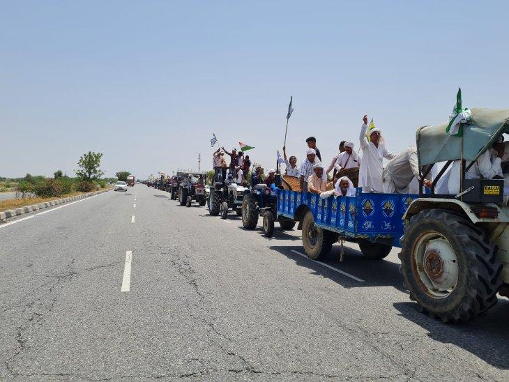 दिल्ली-जयपुर हाईवे पर साबन चौक से जयसिंहपुर खेड़ा बॉर्डर तक किसानों ने निकाली ट्रैक्टर रैली, योगेंद्र यादव ने बरसाए फूल|हरियाणा,Haryana - Dainik Bhaskar