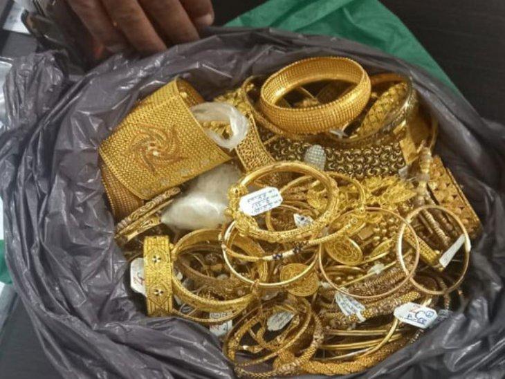 घर में घुसने के लिए कहा- आपके जानकार ने भेजा है; एक बुजुर्ग महिला के पैरों की मालिश करने लगी तो दूसरी ने 5 तोला सोना और 60 हजार नकद पर हाथ साफ कर दिया|चंडीगढ़,Chandigarh - Dainik Bhaskar