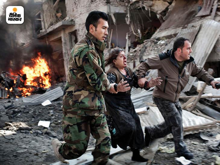 दिसंबर 2009: काबुल में एक होटल के पास आत्मघाती हमले में आठ लोग मारे गए और दर्जनों घायल हो गए। तालिबान ने इस दौरान ऐसे कई और हमले किए। फोटो: एडम फर्ग्यूसन