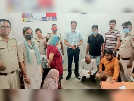 करनाल. स्वास्थ्य विभाग करनाल की पीएनडीटी टीम ने सहारनपुर में अवैध लिंग जांच करने वाले अल्ट्रासाउंड सेंटर पर पकड़े आरोपी। - Dainik Bhaskar