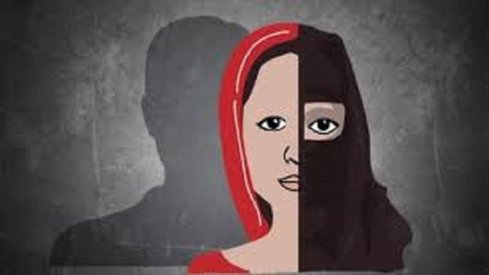 महिला ने लखनऊ के इंदिरानगर थाने में मुकदमा दर्ज कराया है। - Dainik Bhaskar