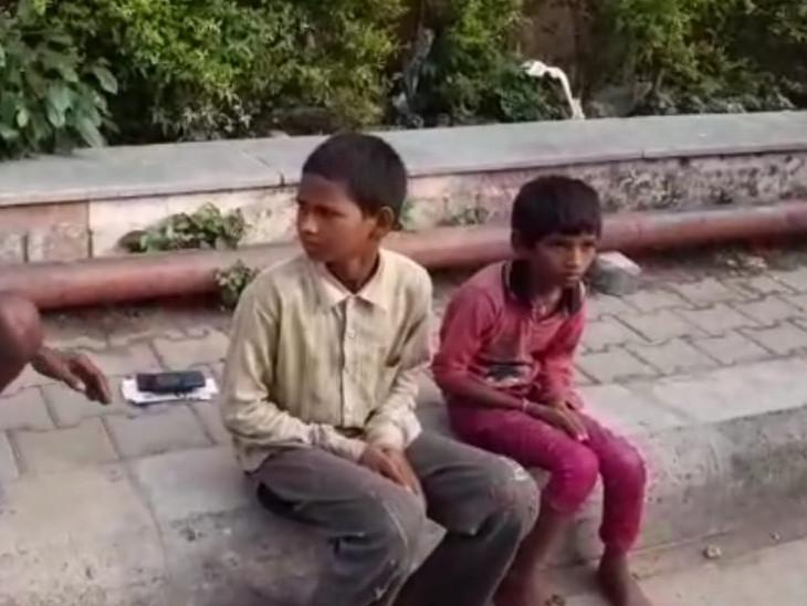 पति-पत्नी और तीन बच्चों ने मौके पर दम तोड़ा, सड़क के बगल में रहता था परिवार; दूसरी जगह सो रहे दो बच्चे बाल-बाल बचे; हादसे का दर्द VIDEO में कोटा,Kota - Dainik Bhaskar