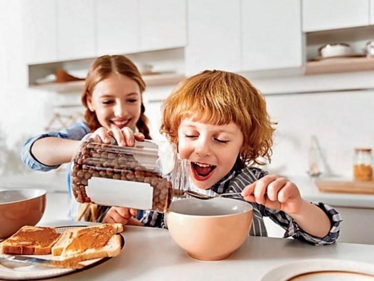 ब्रिटेन में नाश्ते के एक बाउल में 5 बिस्किट जितनी चीनी, शोधकर्ता बोले- बच्चों को डायबिटीज से बचाना है तो इन पर रोक जरूरी|विदेश,International - Dainik Bhaskar