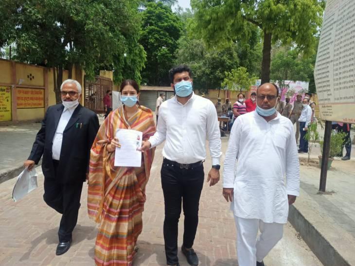 इटावा में भाजपा को ब्लॉक प्रमुख चुनाव में सपा से मिली करारी हार। - Dainik Bhaskar