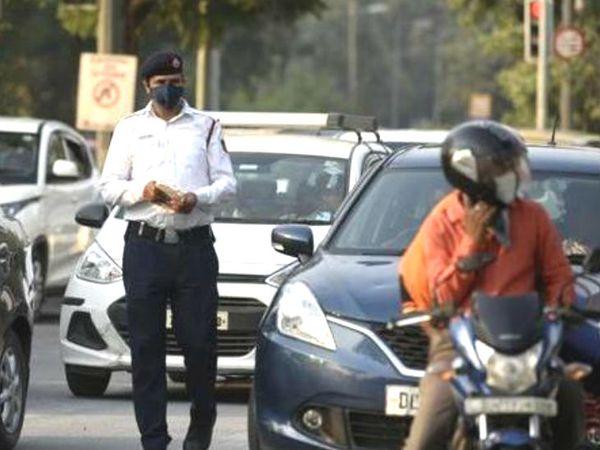 जयपुर ट्रक ट्रांसपोर्ट ऑपरेटर चेंबर के प्रदेशाध्यक्ष गोपाल सिंह राठौड़ का कहना है कि यह नियम इंस्टीट्यूट को पनपाने के लिए बनाया जा रहा है। इससे भ्रष्टाचार को बढ़ावा मिलेगा। अफसरों के मंथली आएगी। - Dainik Bhaskar