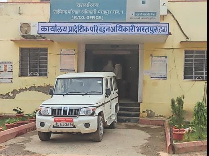50 सीसी के दुपहिया वाहन 11 साल से बंद हैं, RTO इन्हें बिना गियर का मानता है|भरतपुर,Bharatpur - Dainik Bhaskar
