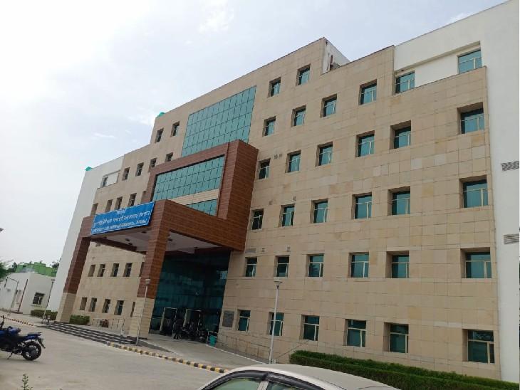 एसआरएन हास्पिटल में इसी भवन में 180 बेड का पीकू वार्ड तैयार किया गया है। - Dainik Bhaskar