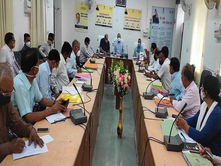 गाइडलाइन की पालना में कोताही न हो, जिला कलेक्टर ने पुलिस और प्रशासन के अधिकारियों को दिए मुस्तैद रहने के निर्देश|सवाई माधोपुर,Sawai Madhopur - Dainik Bhaskar