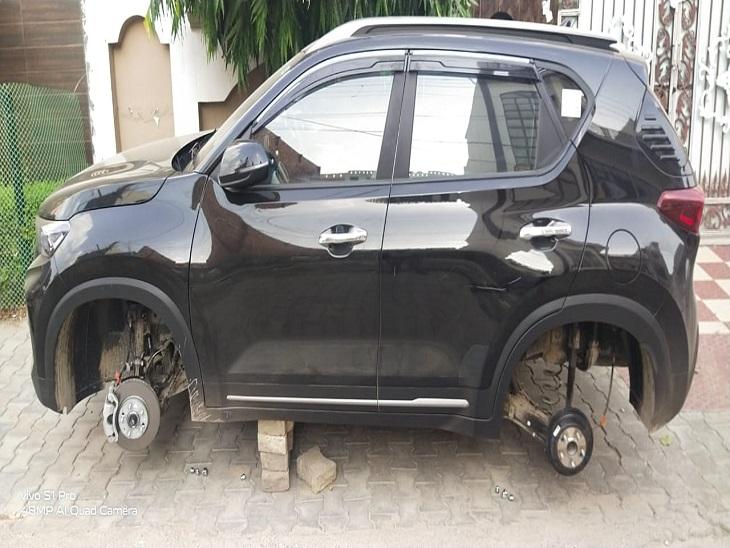 ईंटों पर कार खड़ी कर बदमाश निकाल ले गए टायर; CCTV में घूमती दिखी संदिग्ध सियाज कार|पानीपत,Panipat - Dainik Bhaskar