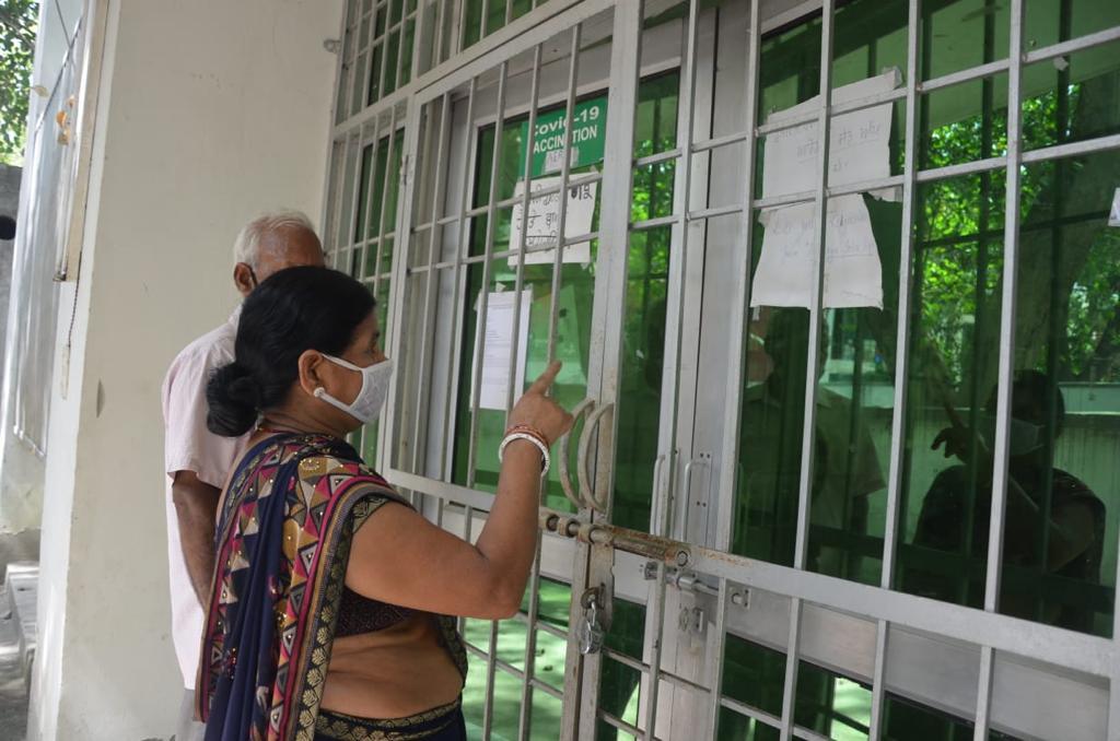 स्टॉक न पहुंचने से कल भी कोविशील्ड वैक्सीन न लगने के आसार, कोवैक्सीन लगती रहेगी जालंधर,Jalandhar - Dainik Bhaskar