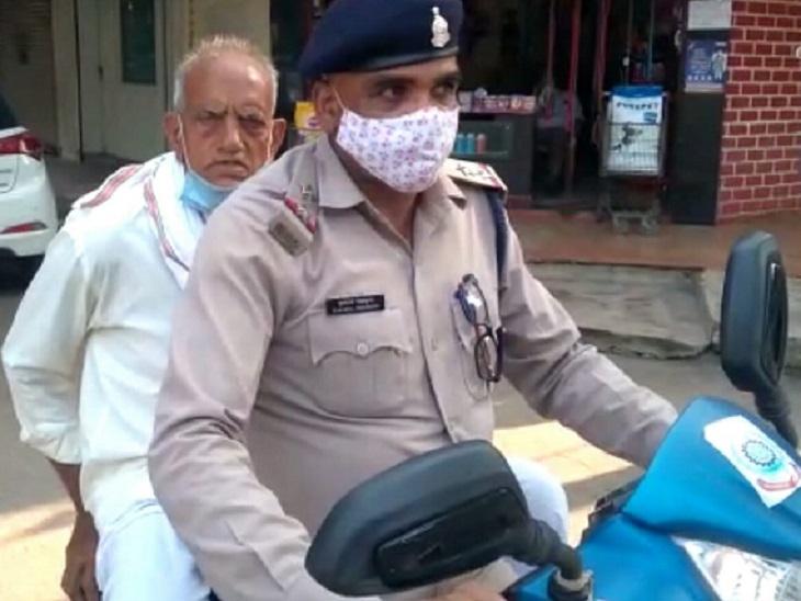 दुर्ग में दिनदहाड़े हुई वारदात, बैंक से रुपए निकाल कर बस का कर रहा था इंतजार, अचानक बाइक सवार युवक ले उड़े बैग|भिलाई,Bhilai - Dainik Bhaskar