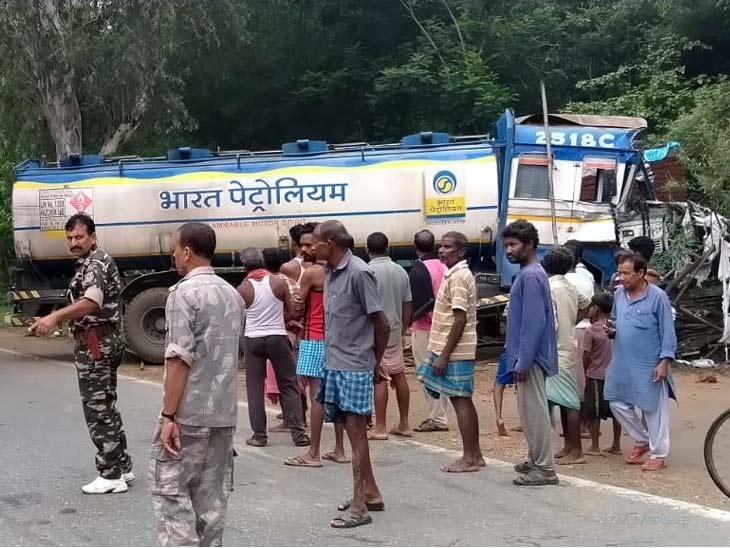 ड्राइवर को आई नींद की झपकी, अनियंत्रित टैंकर ने सामने से आ रहे ट्रक को मारी टक्कर; टैंकर सड़क किनारे झोपड़ी में घुसा|रांची,Ranchi - Dainik Bhaskar