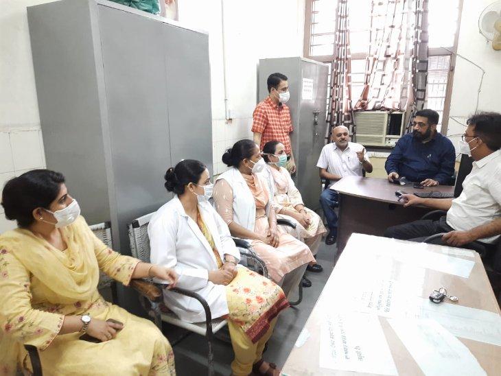 NPA की कटौती से खफा हैं चिकित्सक; सभी अस्पतालों में 3 दिन नहीं लगेगी ओपीडी, अन्य सेवाएं भी रहेंगी बंद|पंजाब,Punjab - Dainik Bhaskar