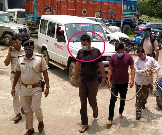बिहार के प्रशिक्षु DSP की सर्विस रिवॉल्वर लेकर फोटाे खिंचवाने के दौरान चली गोली, दोस्त की मौत; तीन गिरफ्तार|रांची,Ranchi - Dainik Bhaskar
