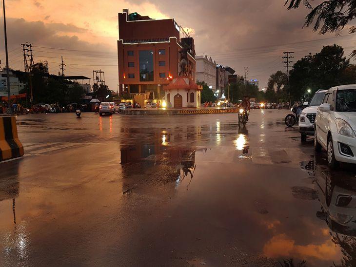 बारिश की राह देख रहे इंदौर में एक घंटे में 2.6 मिमी पानी गिरा, 11 जुलाई से जमकर भीगेगा मालवा निमाड़, प्रदेश से सटे राजस्थान और गुजरात के जिले भी होंगे तरबतर इंदौर,Indore - Dainik Bhaskar