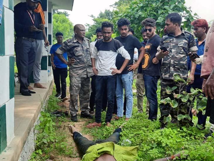 शुभम की खोजबीन को लेकर शनिवार को रांची से एनडीआरएफ की टीम को बुलाया गया था। - Dainik Bhaskar