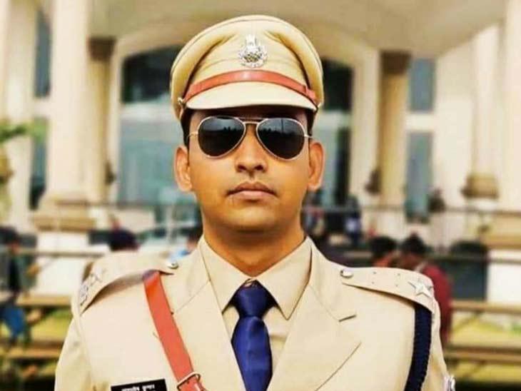प्रशिक्षु DSP आशुतोष कुमार रोहतास (बिहार) के रहने वाले हैं।