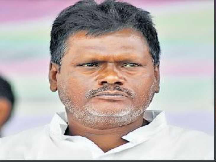 जदयू सांसद के घर के दरवाजे से कांट्रैक्ट किलर गिरफ्तार, भागलपुर पुलिस हिम्मत जुटा पाती तो सांसद के घर से पकड़ाता अपराधी भागलपुर,Bhagalpur - Dainik Bhaskar