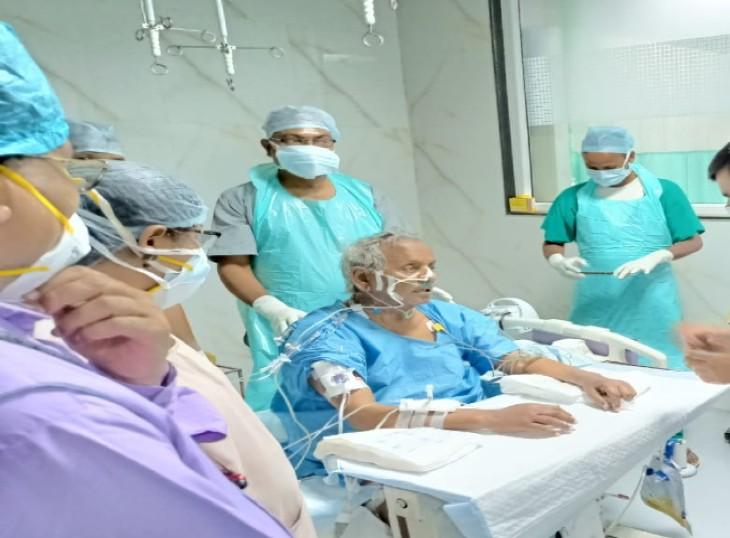 कल्याण सिंह के स्वास्थ्य में लगातार हो रहा सुधार,रविवार को पीजीआई मिलने पहुंचे केंद्रीय मंत्री प्रहलाद सिंह पटेल|लखनऊ,Lucknow - Dainik Bhaskar