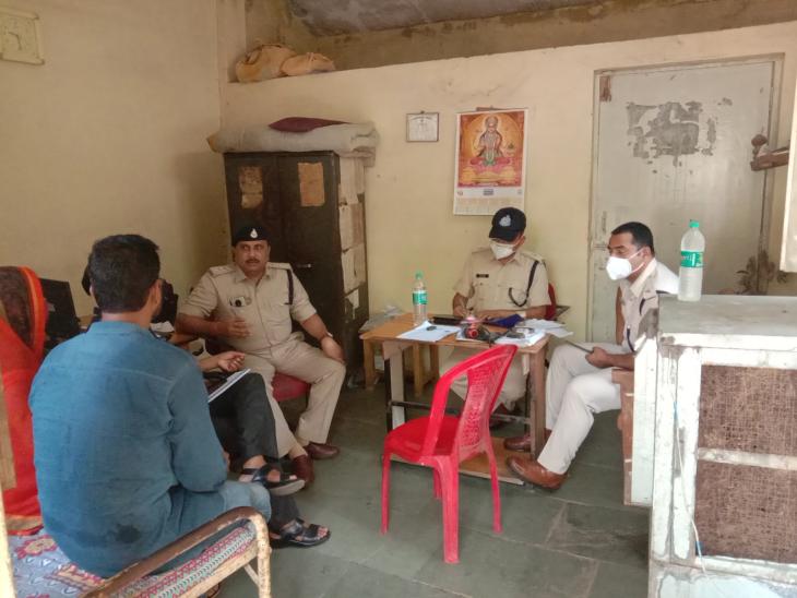 गुना में 3 वर्ष पूर्व घरवालों की मर्जी के खिलाफ की थी दूसरे धर्म में शादी; घरवालों के आरोप- दहेज के लिए परेशान कर रहा था ससुराल पक्ष गुना,Guna - Dainik Bhaskar