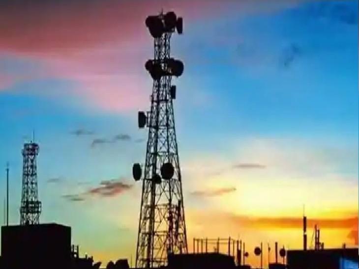 बंद पड़े मोबाइल टावर को खोल ले गए चोर, लगा रह गया स्टैंड; बहोड़ापुर थाने में देखरेख करने वाली कंपनी नेकी शिकायत|ग्वालियर,Gwalior - Dainik Bhaskar