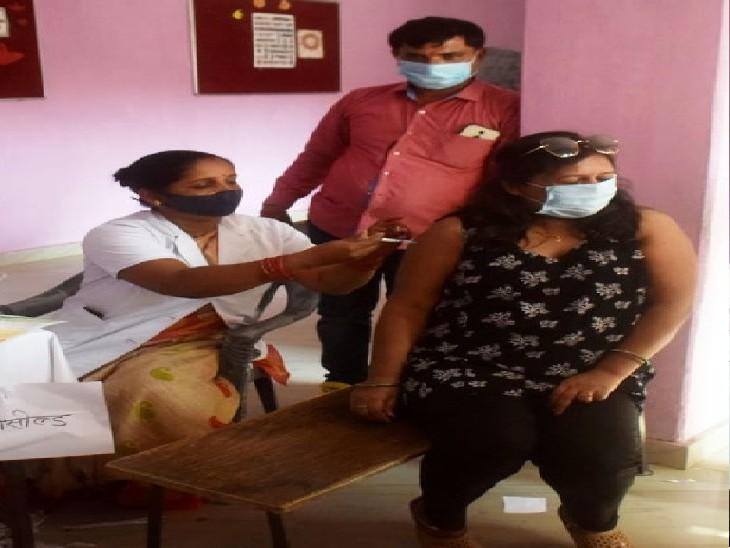 वैक्सीन की कमी से कल भी सस्पेंड रहेगा क्लस्टर प्लान के तहत टीकाकरण, केवल 44 सेंटरों पर लगेगी वैक्सीन प्रयागराज,Prayagraj - Dainik Bhaskar