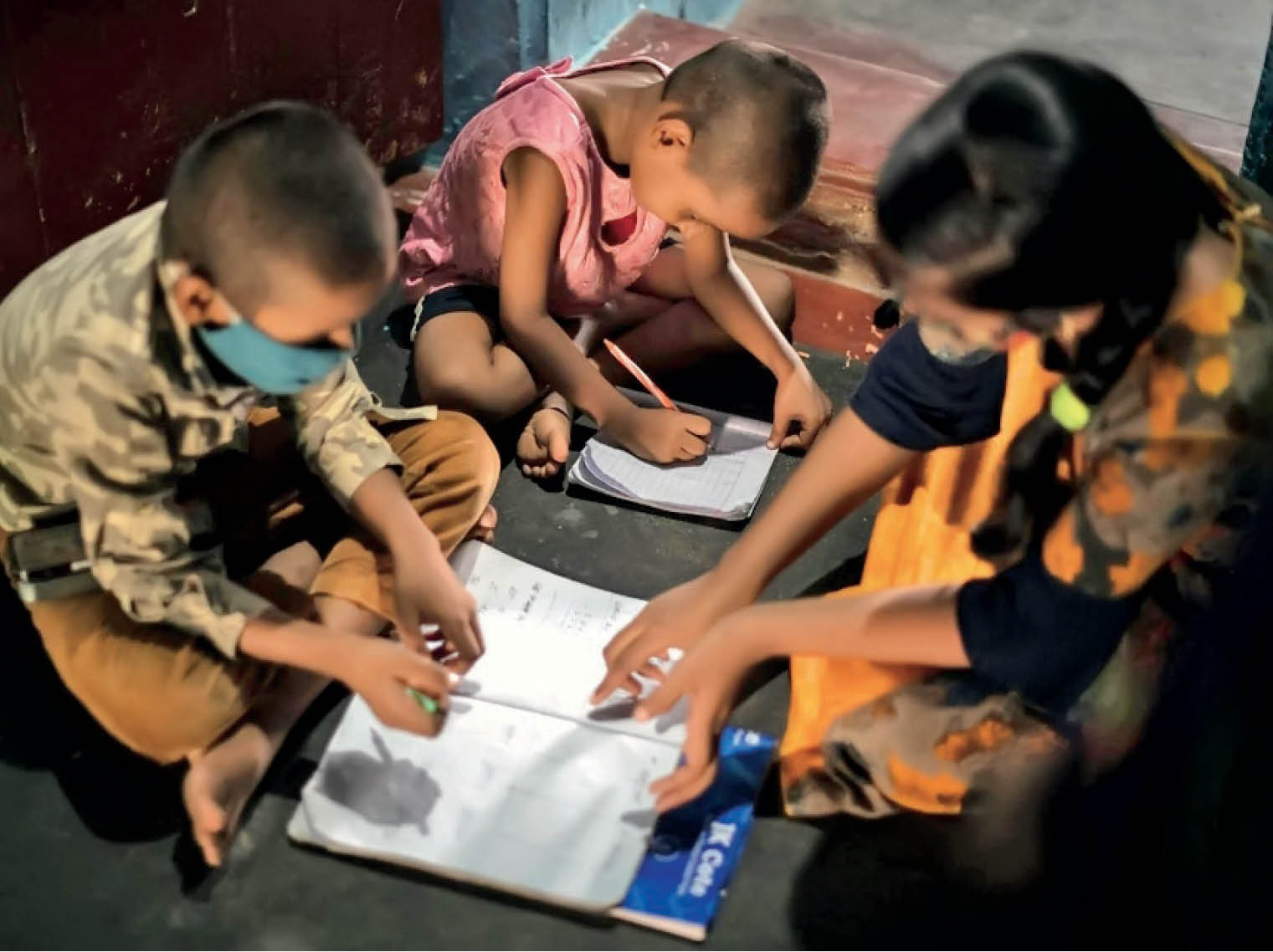 भारत में 3 हजार से ज्यादा बच्चों ने माता-पिता खो दिए, डेथ सर्टिफिकेट बनवाने में भी हो रही परेशानी; बेसहारा मासूमों को बेचे जाने का खतरा|देश,National - Dainik Bhaskar