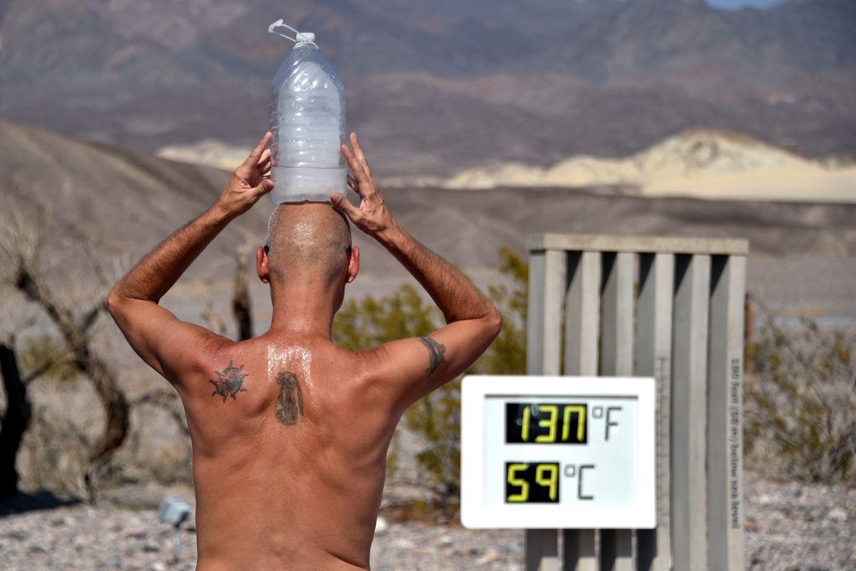 इस साल कैलिफोर्निया के डेथ वैली में तापमान 54 डिसे. के आंकड़े को पार कर चुका है।