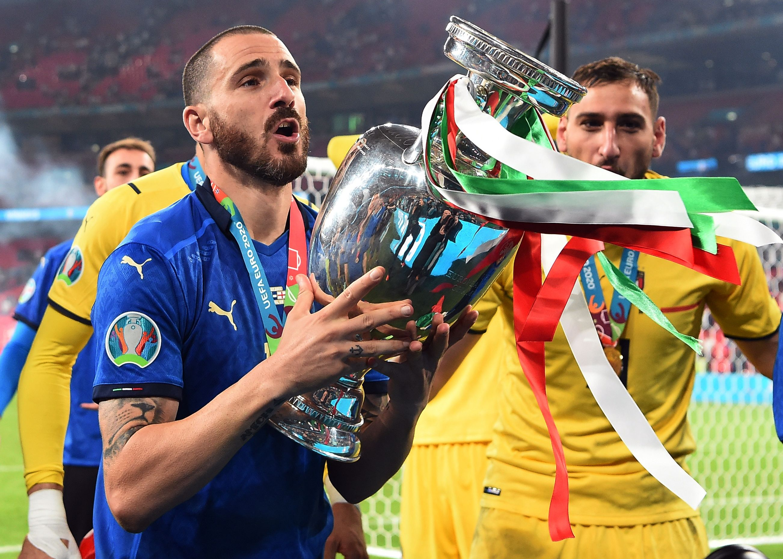 इटली के लियोनार्डो बनूची ने मैच के 67वें मिनट में गोल किया। वे यूरो कप के फाइनल में गोल करने वाले सबसे उम्रदराज खिलाड़ी बन गए। उनकी उम्र 34 साल 71 दिन रही।