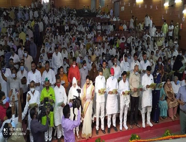 मेरठ में शपथ ग्रहण के बहाने पंचायत सदस्यों ने किया शक्ति प्रदर्शन, जुटाई भारी भीड़|मेरठ,Meerut - Dainik Bhaskar