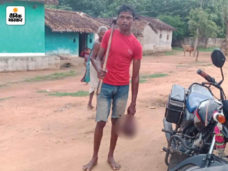 छत्तीसगढ़ के गरियाबंद में युवक ने टंगिया मारकर सिर धड़ से अलग कर दिया, फिर हाथ में सिर लिए गांव में घूमता रहा; गिरफ्तार|छत्तीसगढ़,Chhattisgarh - Dainik Bhaskar