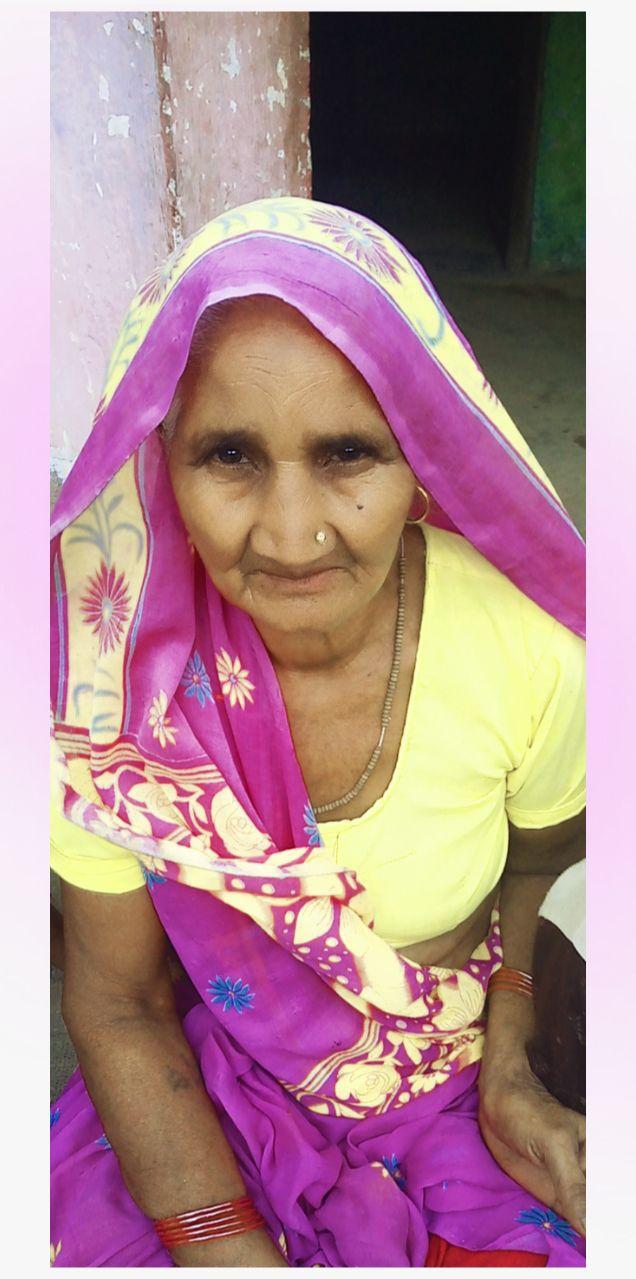 परिजनों ने बिना पोस्टमार्टम किया महिला का अंतिम संस्कार,परिजनों को नहीं थी मुआवजा मिलने संबंधी सरकारी आदेश की जानकारी|उत्तरप्रदेश,Uttar Pradesh - Dainik Bhaskar