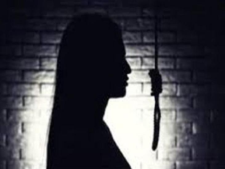 मायके में फंदे पर लटका मिला महिला का शव, 2 दिन पहले ससुराल से आई थी; मोबाइल से खुलेगी मौत की गुत्थी|गोरखपुर,Gorakhpur - Dainik Bhaskar