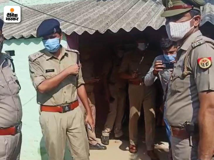 पुलिस ने घर पहुंचकर छानबीन की है।