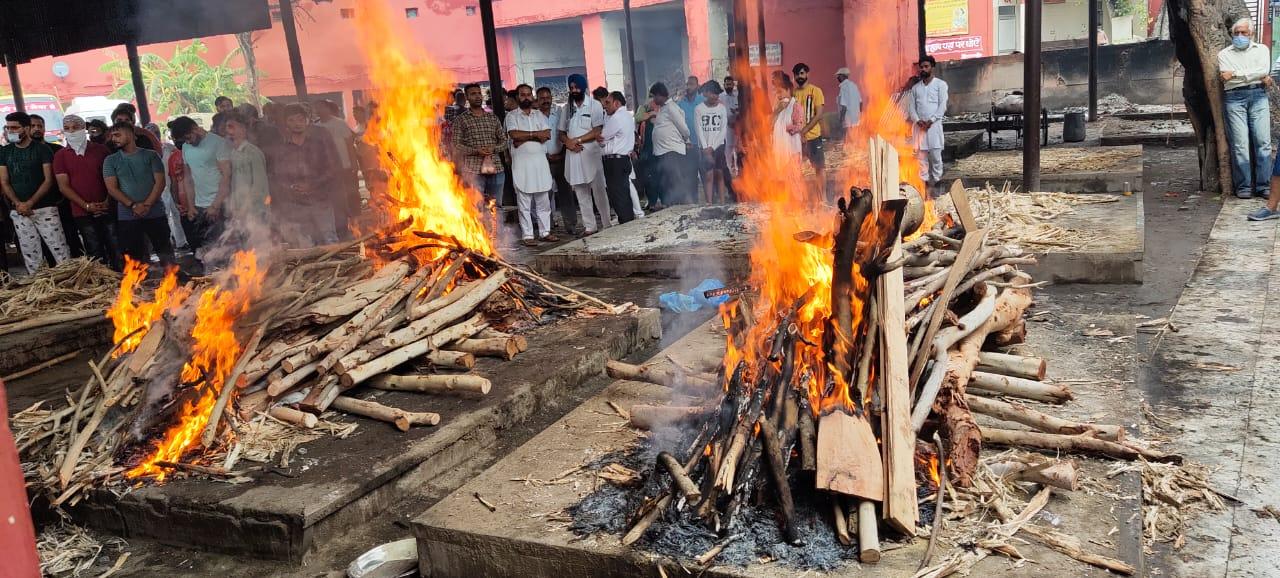 जयपुर के आमेर महल के सामने बिजली गिरने से गई थी जान; एक साथ हुआ अंतिम संस्कार, हादसे में मारे गए थे 11 लोग|पंजाब,Punjab - Dainik Bhaskar
