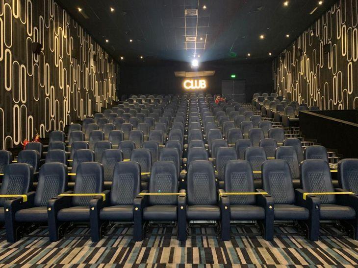 इंदौर में सिनेमाघर संचालकों को प्रशासन के लेटर का इंतजार; बोले - सबसे पहले साफ-सफाई और व्यवस्थाएं दुरुस्त करने पर जोर रहेगा, शो को लेकर अभी कुछ तय नहीं|इंदौर,Indore - Dainik Bhaskar