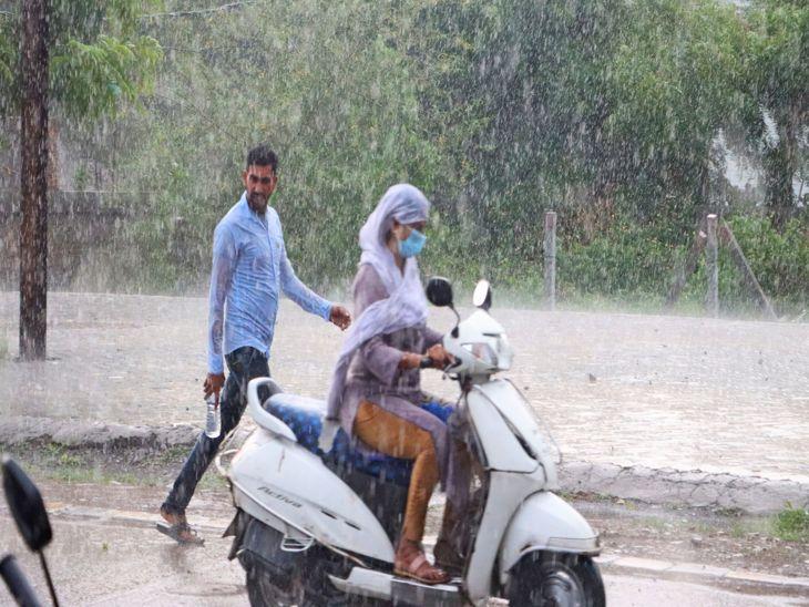 शहर का पूर्वी हिस्सा भीगा, पश्चिमी सूखा रहा, पूर्वी इंदौर में अब तक 6 इंच पानी गिरा, पश्चिमी हिस्से में 3.8 इंच बारिश रिकार्ड|इंदौर,Indore - Dainik Bhaskar