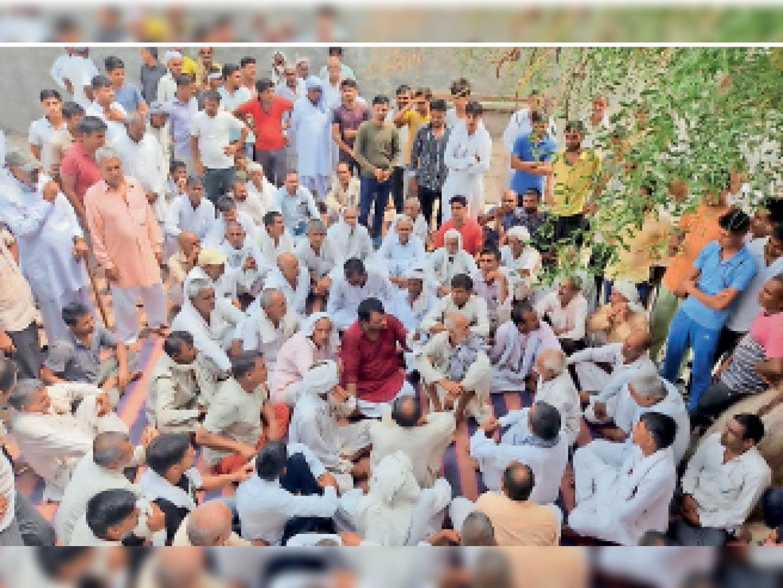 सुलतानपुर के ग्रामीणों ने पंचायत कर लिया फैसला, नहीं करेंगे बिजली बिलों का भुगतान हांसी,Hansi - Dainik Bhaskar