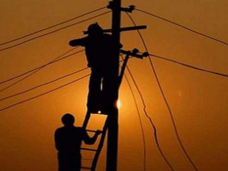 इंदौर शहर के मांगलिया, बांगड़दा सहित कई कॉलोनियों में सुबह से ही बिजली कट रही, 2 से 3 घंटे तक लोग होते रहे परेशान|इंदौर,Indore - Dainik Bhaskar