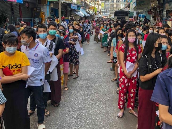 चीनी वैक्सीन सिनोवैक का पहला डोज लेने वालों को दूसरा डोज एस्ट्राजेनेका का लगेगा, 3 से 4 हफ्ते का गैप रखा जाएगा|विदेश,International - Dainik Bhaskar