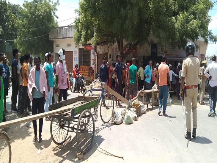 वाराणसी में बदमाशों ने गोली मार कर प्लंबर की हत्या की, ग्रामीणों ने किया चक्काजाम, हल्का प्रभारी निलंबित वाराणसी,Varanasi - Dainik Bhaskar