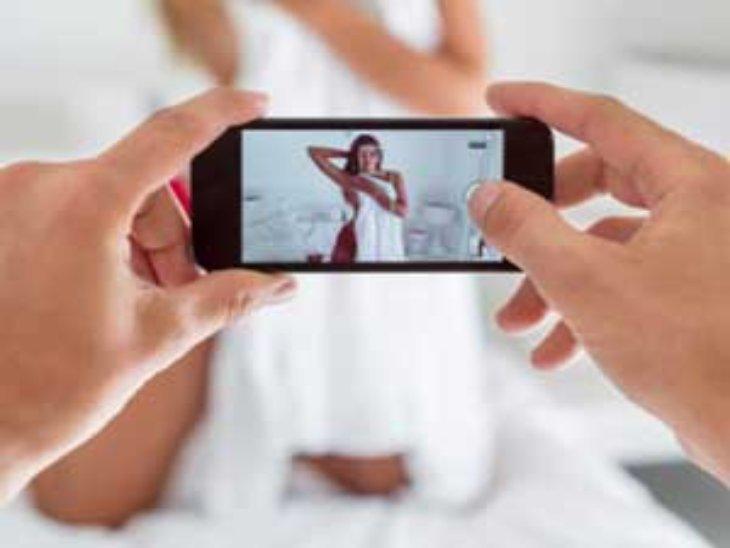 वीडियो कॉल करके युवक के साथ न्यूड स्क्रीन शॉट लिया, अब सोशल मीडिया पर वायरल करने की धमकी देकर मांग रही 70 हजार|चंडीगढ़,Chandigarh - Dainik Bhaskar
