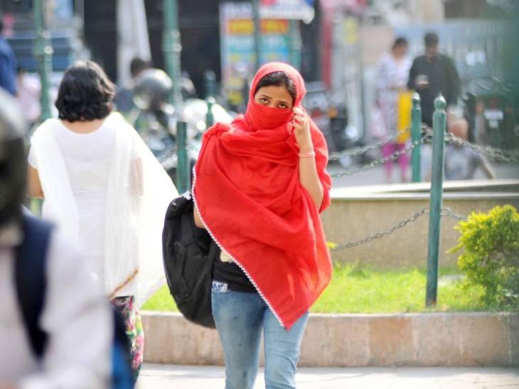 प्रयागराज में न्यूनतम पारा 28. 6 डिग्री रिकॉर्ड हुआ, जो सामान्य से 1.8 डिग्री ऊपर था।
