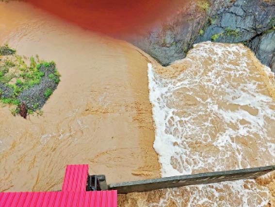 पेयजल परियाेजनाओं में बारिश से गाद, आज नहीं आएगा पानी, स्टोर करें थोड़ा|शिमला,Shimla - Dainik Bhaskar