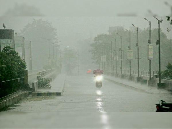 सबसे ज्यादा औसत वर्षा वाले 10 में से 8 जिलों में इस साल एवरेज से कम बारिश|रायपुर,Raipur - Dainik Bhaskar