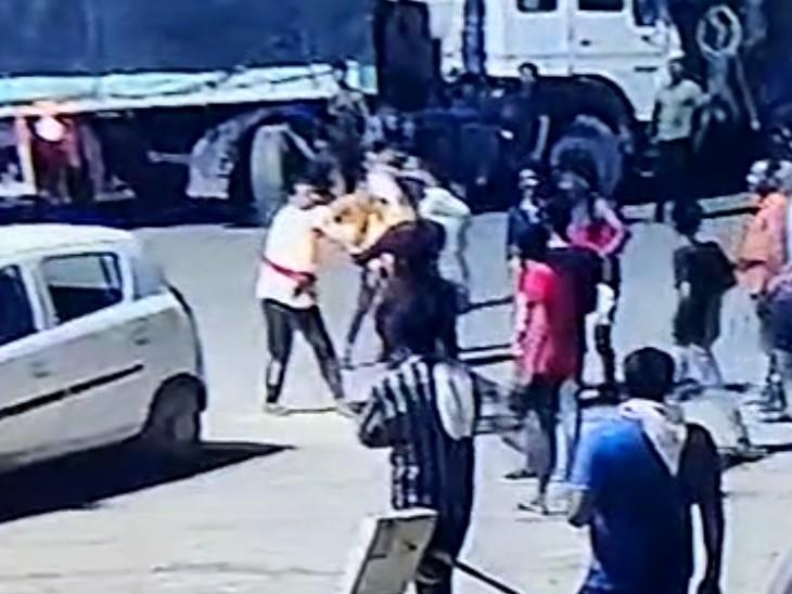 अचानक भागकर आया बदमाश और मारने लगा थप्पड़, बजरी खनन से जुड़ा है आरोपी; धरपकड़ में जुटी पुलिस टीम कोटा,Kota - Dainik Bhaskar